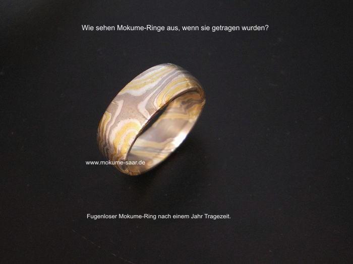 Mokume gane Ring mit Sternenmuster und Tragespuren
