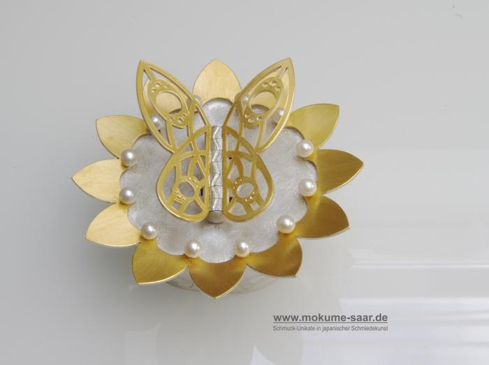 Gesellenstück im Goldschmiedehandwerk Dose mit Schmetterling und Perlen